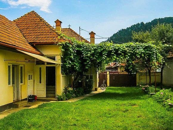 Doamna in varsta caut baiat tanar râșnov, Cunoaște lume nouă din Brașov